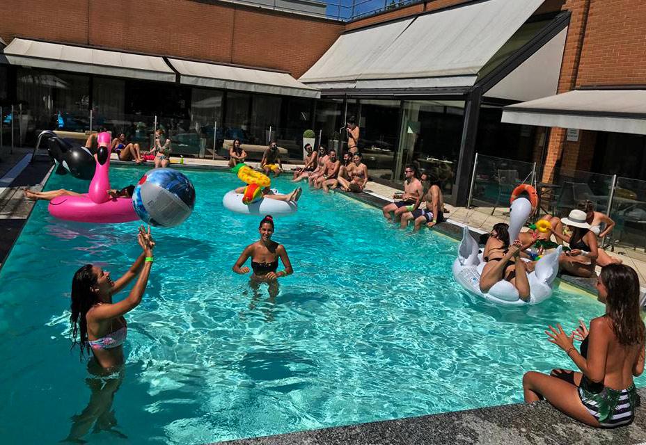 Novotel novoeventi pool parties